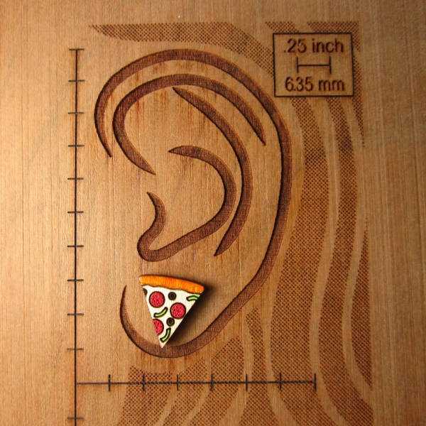 pizza earring on ear diagram to show size