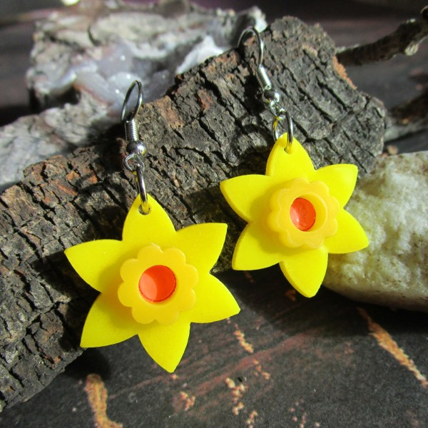 Daffodil Dangle earrings Springtime Bulb Yellow Flower Hanging D Earrings Jewelry