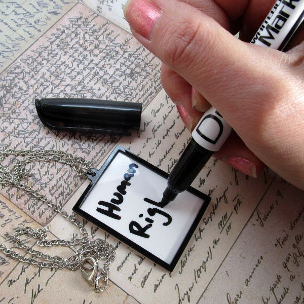 Message Board Dry Erase Pendant Necklace Protest Drawing Words Dry Erase Marker Jewelry
