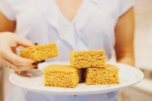Easy Vegan Cornbread Recipe + gluten-free option!