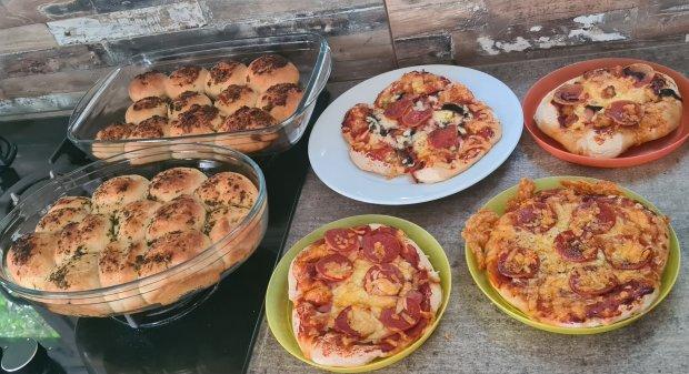 BakedIn tear and share bread and homemade pizzas