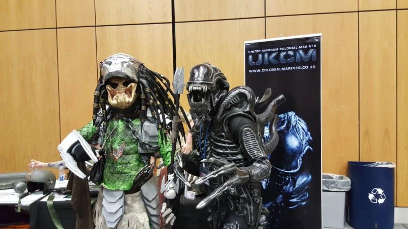 alien and predator cosplays
