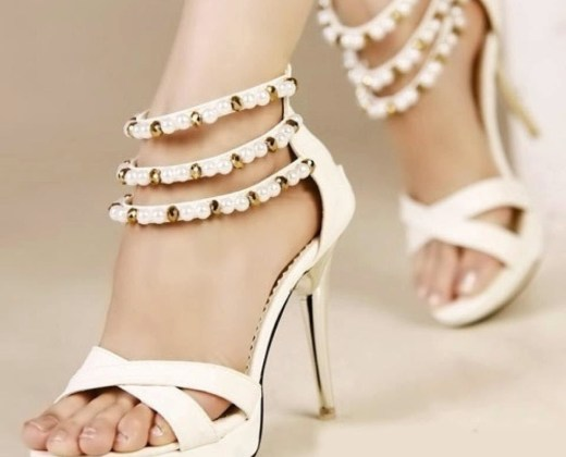 white-color-high-heel-shoes-style