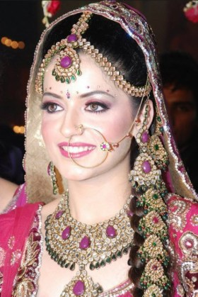 Latest-Beautiful-Attractive-Face-Pakistani-Bridal-dress-Picture-2013 2014