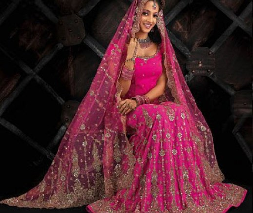 Latest-Bridal-lehnga-color-in-fashion-in-Pakistan-India-UK