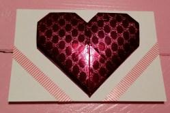 Ik origamide een hart (wat een toestand is dat zeg) en maakte er een kaart van.