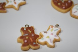bear biscuits with icing and sprinkles