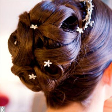 Wedding Hairstyle For Bridal In Pakistan And India 2016