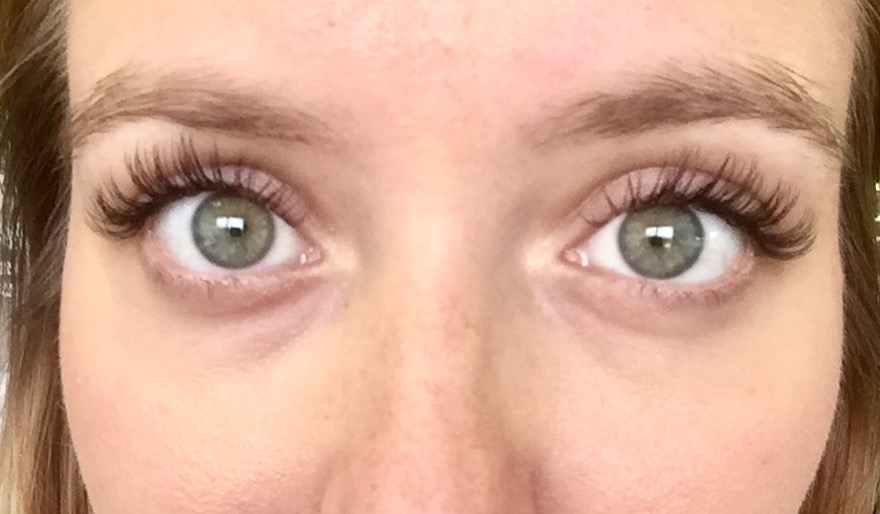 bad4023c737 10 Things I Wish I'd Known Before Getting Eyelash Extensions – It's ...