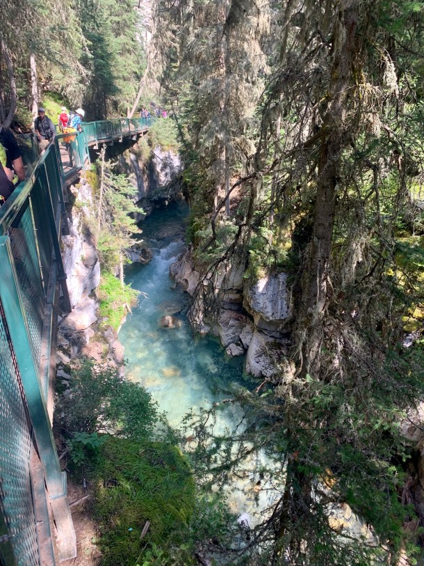johnston canyon falls hike banff