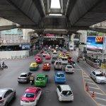 【タイ】ドンムアン空港〜スクンビット/アソークの行き方!タクシー選びの裏技伝授します。