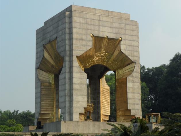 Монумент павшим в войне с интервентами. Достопримечательности Ханоя
