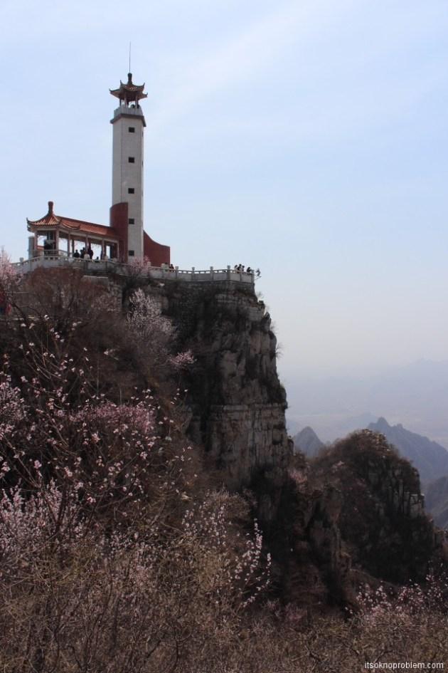 Пять героев гора Ланья. Башня на вершине