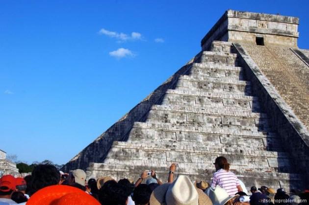 Праздник весеннего равноденствия в Чичен-Ица, Mexico