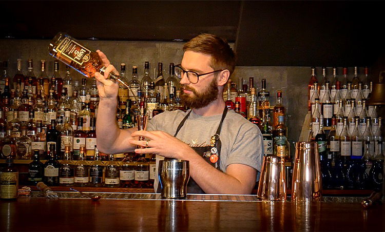 Mark Holmes of the Dead Canary creates Welsh inspired Whisky Cocktail