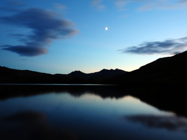 cropped-snowdon-from-the-lake12.jpg
