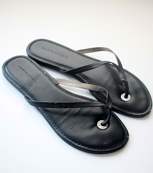 DIY: Pom Pom Wrap Up Sandals