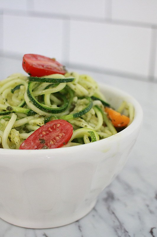 7 Ways to Eat Raw Zucchini Noodles