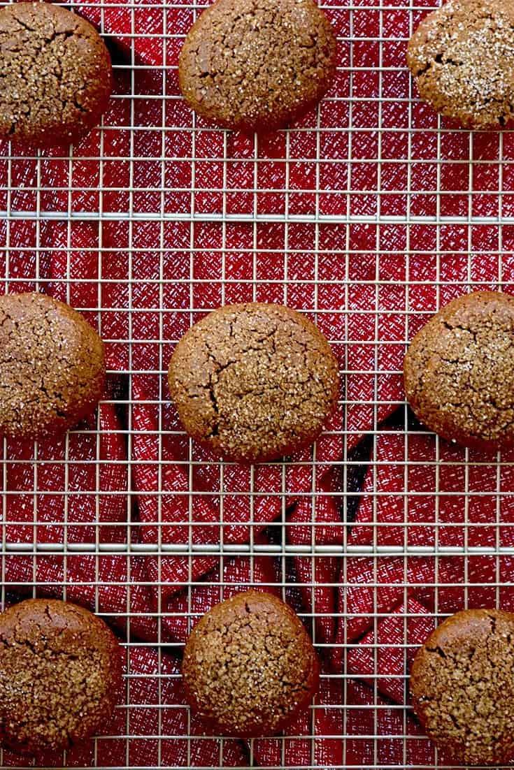 Gluten-Free Gingerbread Cookies, gingerbread cookies, gluten free gingerbread cookies, gingerbread cookies gluten free, Christmas cookies, Christmas gingerbread cookies, healthy Christmas cookies, molasses cookies, ginger molasses cookies, Christmas molasses cookies, easy holiday cookies, holiday cookie swap ideas, cookie swap ideas,