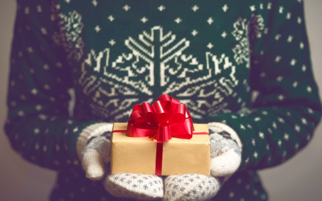 8 Tips for Buying Gifts When Money is Tight