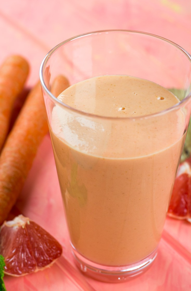 Give your immune system a boost and wake up your body with this refreshing Grapefruit Ginger Smoothie! Packed with protein to keep you full and vitamins, minerals & antioxidants to keep you going strong.