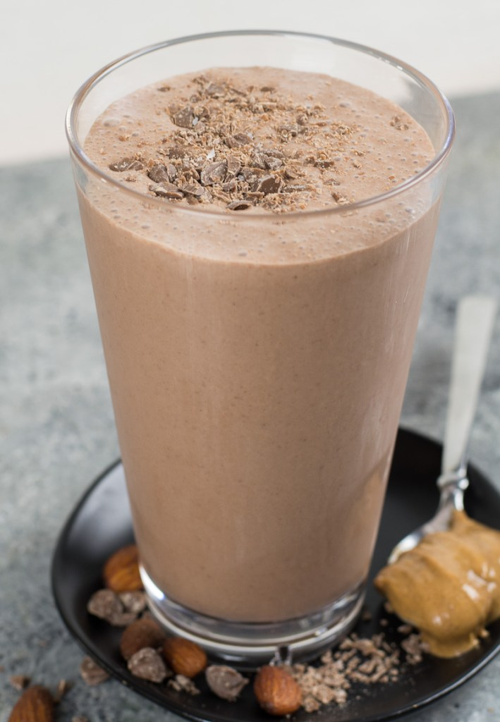 This delicious banana almond butter smoothie is super creamy, packed with protein and healthy fats for a gluten-free and dairy-free breakfast.