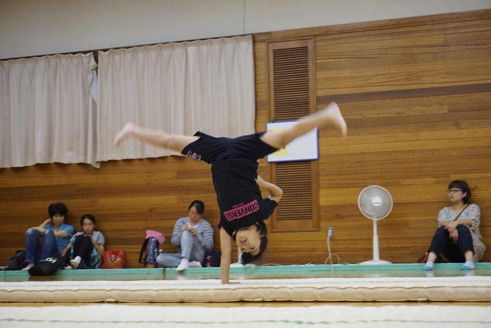 アクロバット体操