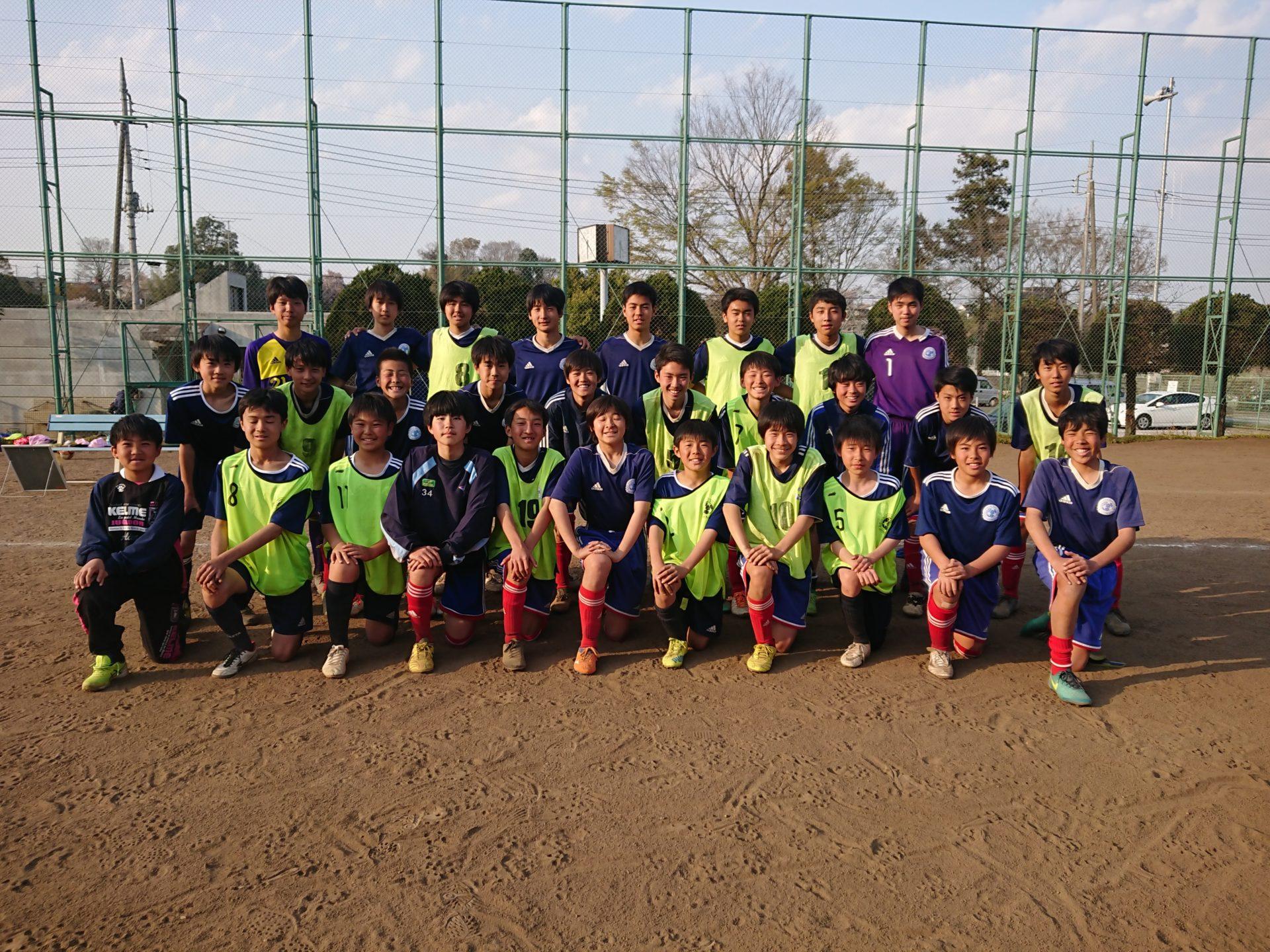 中学生対象のサッカーチームが選手を募集しています