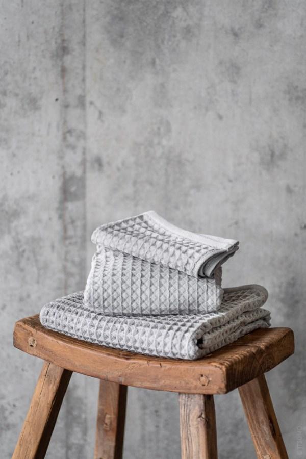 Uchino_Air Waffle Towel_grey_top