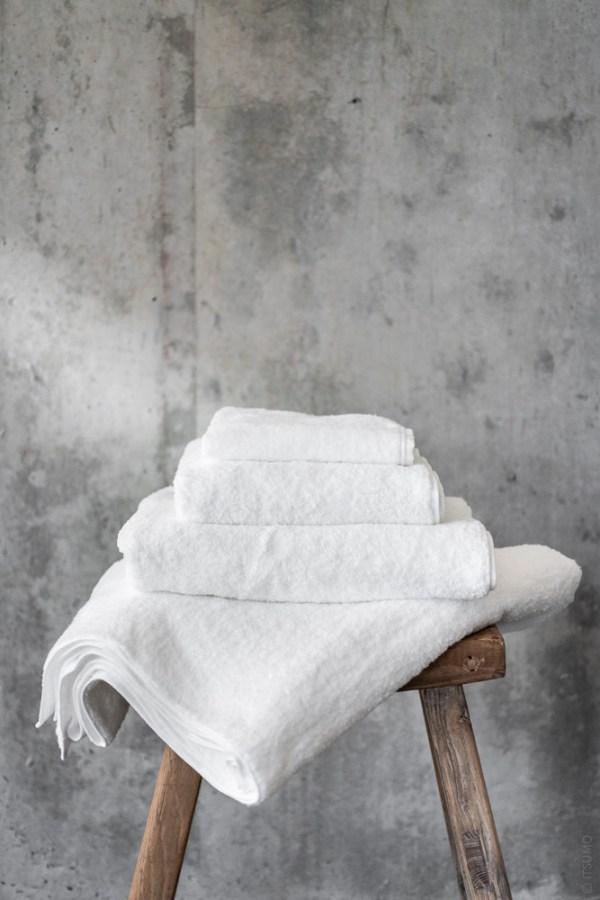 Uchino_CL Zero Twist Towel_white_top