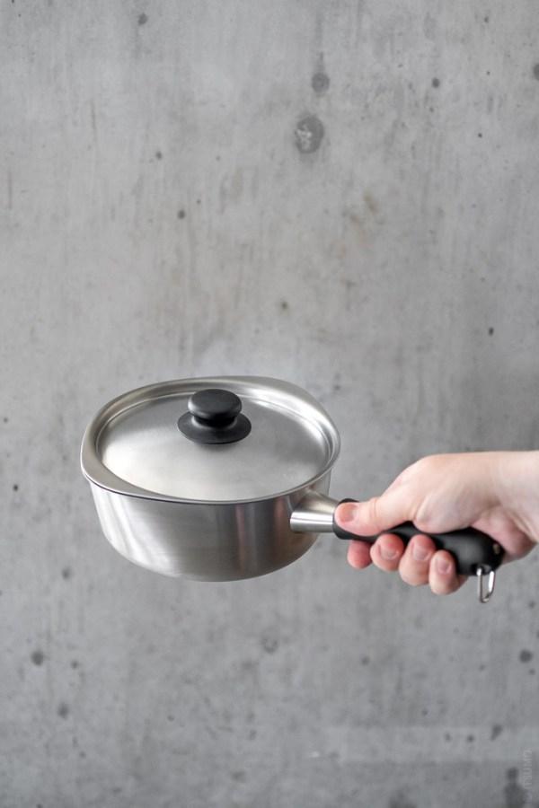 Sori Yanagi_Stainless One Hand Pot_top
