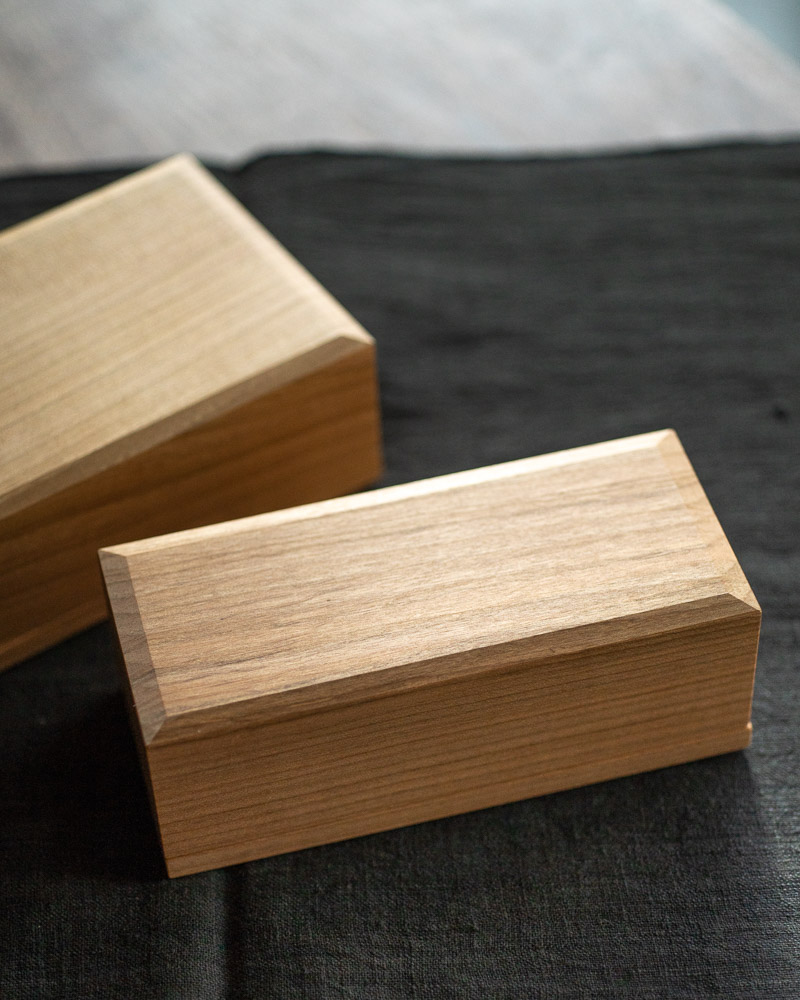 azmaya-cherry wood butter case-200g-1