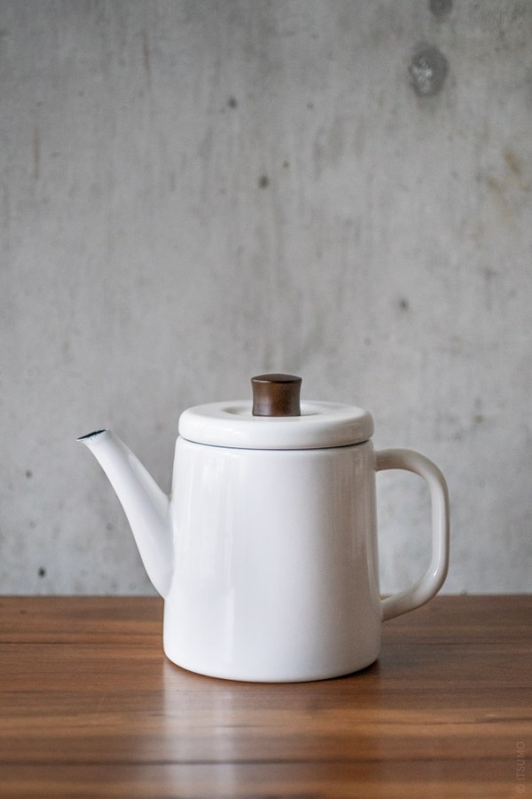 Noda Horo_Enamel Pottle_kettle teapot_white_top
