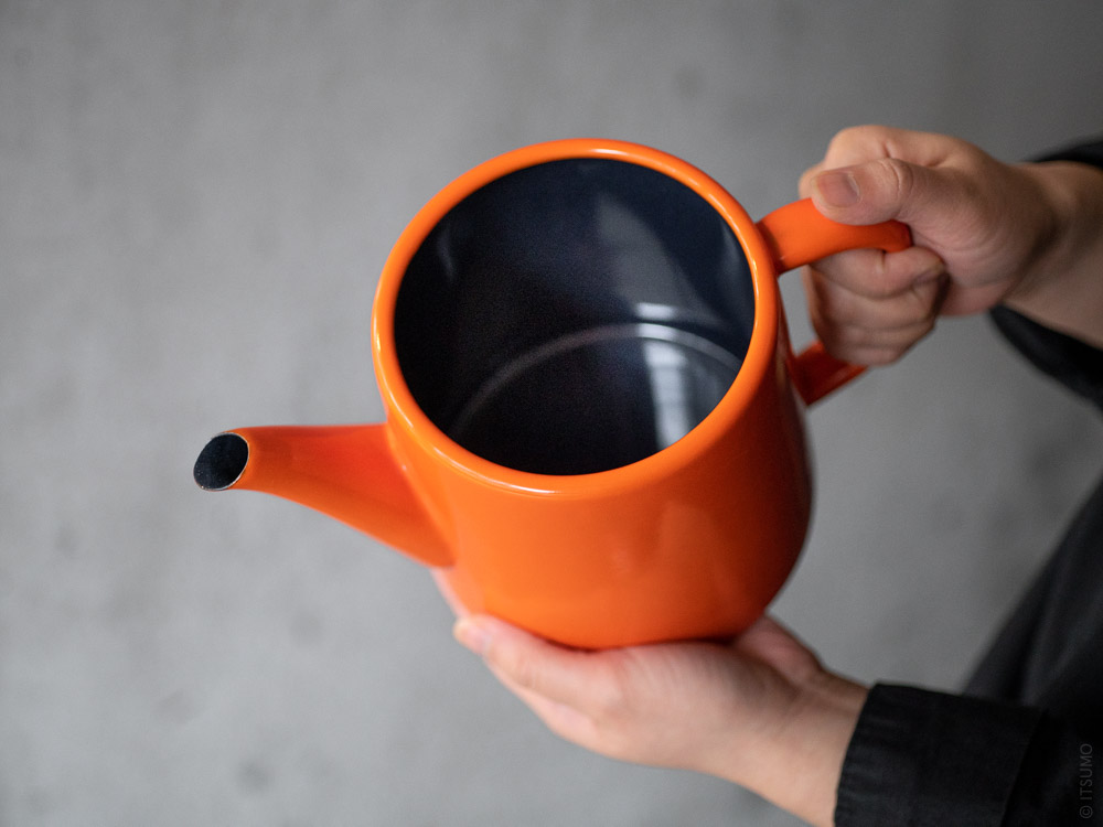 Noda Horo_Enamel Pottle_kettle teapot_orange