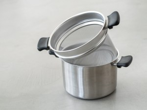Sori Yanagi_Stainless Deep Stock Pot & Stainless Colander_dl