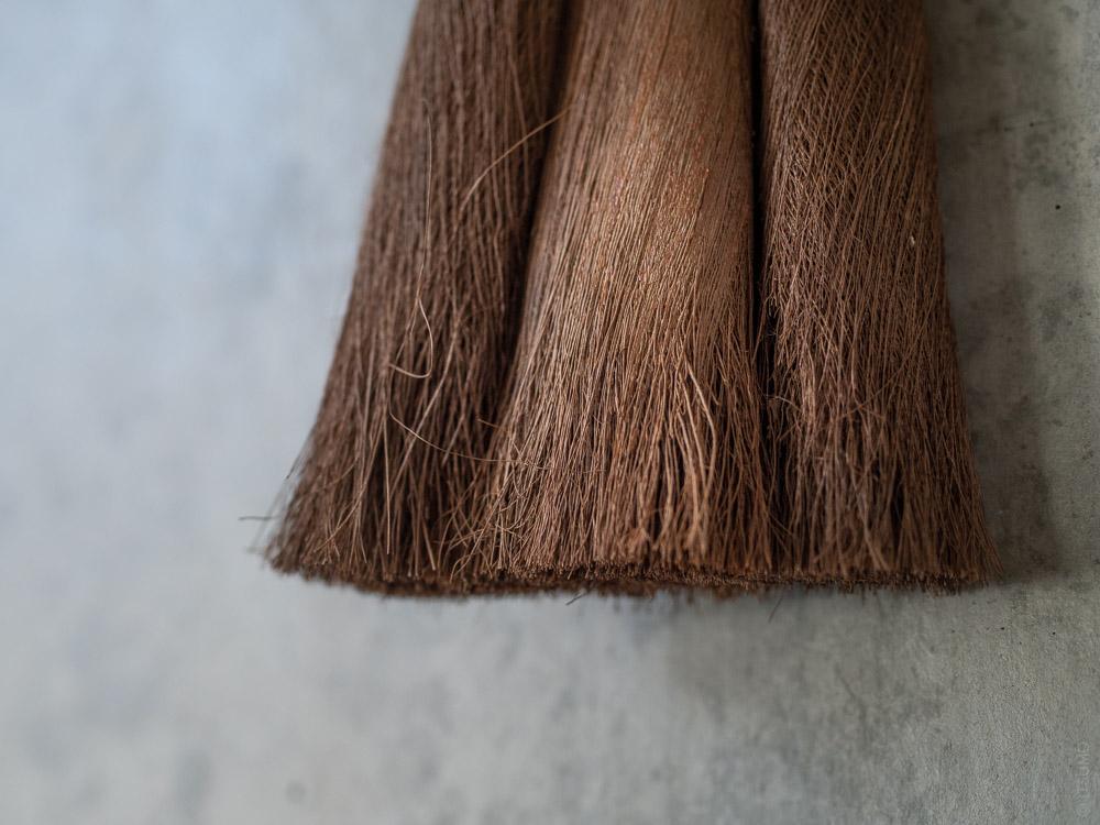 Takada_Handy Broom with Black Bamboo Handle