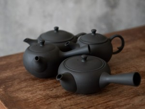 Azmaya_Round & Oval Teapot_dl