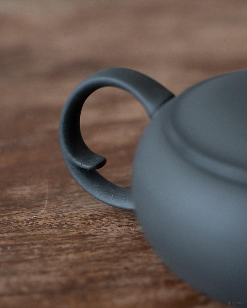 azmaya-ovel teapot with back handle-3