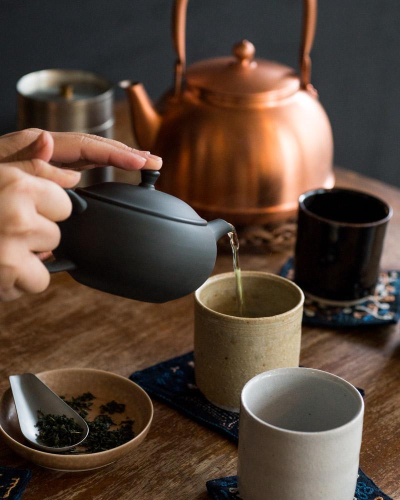 azmaya-ovel teapot with back handle-6