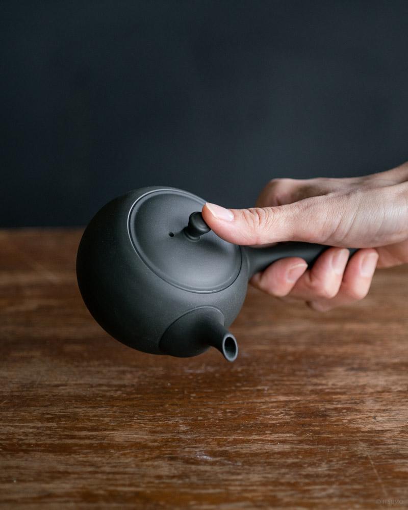 azmaya-round teapot with side handle-2