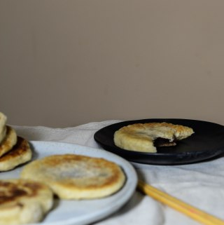HOTTEOK 호떡 – KOREAN SUGAR PANCAKES