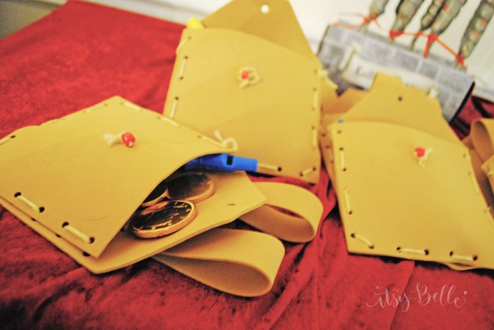 Medieval Knight Satchel party favors
