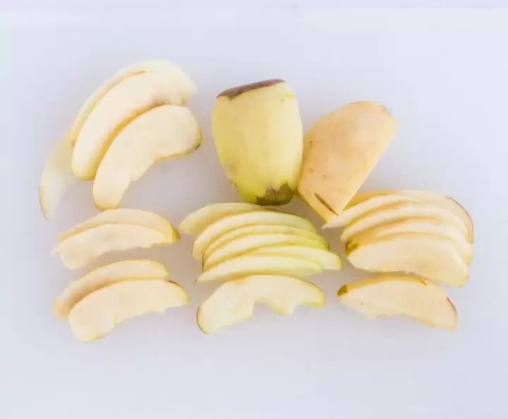 how to slice apples for apple pie