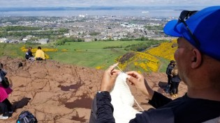 Knitting in Public at the top of Edinburgh - Arthur's Seat!