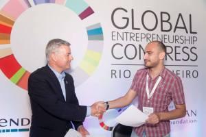 Ձեռներեցության համաշխարհային համաժողովի նախագահ Ջոնաթան Օրթմանսը և Հայկ Ասրիյանցը