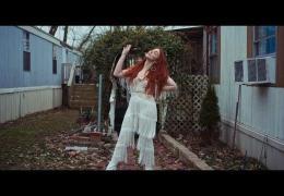Caylee Hammack – Redhead