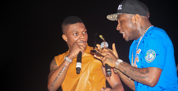 VIDEO: GANG CLASH: Wizkid's and Davido's Camp Exchange Blows In Dubai