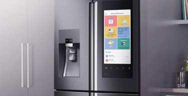Samsung-Family-Hub-Smart-Fridge-itusers