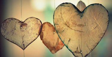 ¿Hombres-gastan-más-que-las-mujeres-en-San-Valentín,-más-románticos-que-ellas-