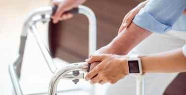 De-qué-forma-el-IoT-está-ayudando-a-las-personas-con-discapacidad